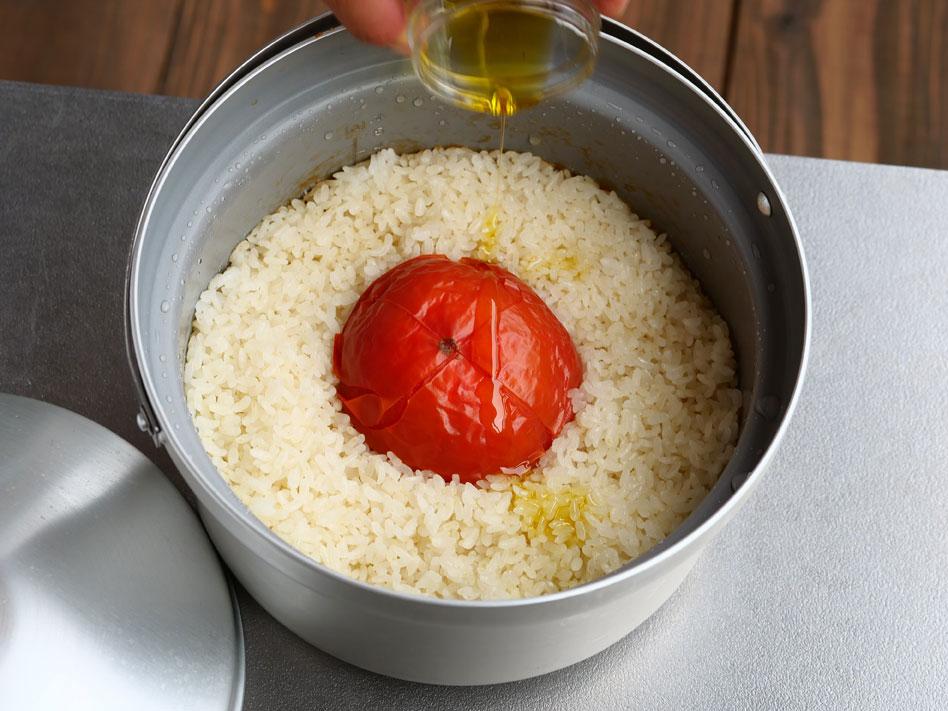 「豪快!丸ごとトマトの炊き込みピラフ」作り方4画像