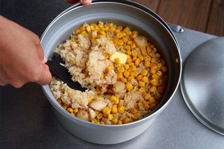 「お手軽に本格的な味を!帆立とコーンの炊き込みご飯」作り方4画像